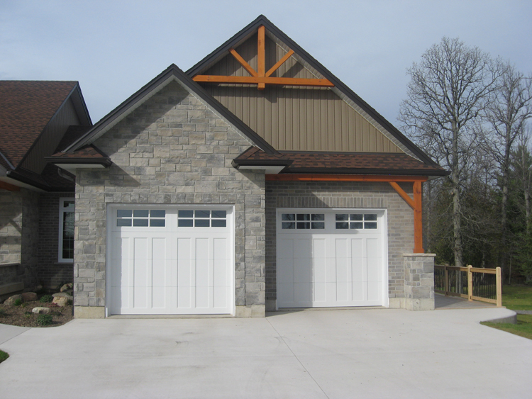 Canfield - Smithville Road - Garage